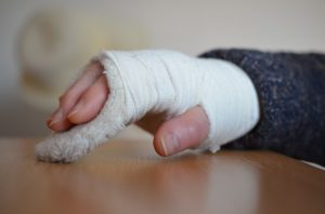 Wypadek w pracy – kiedy i jak walczyć o odszkodowanie?
