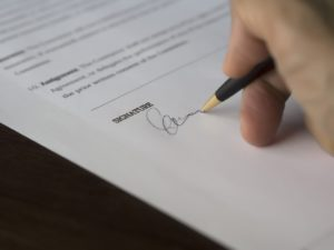 Zmiany w zakresie umów o pracę od 22 lutego 2016 r.