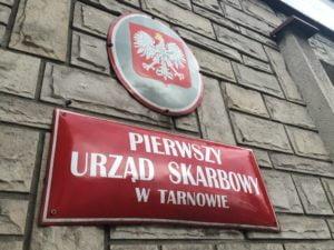"""Polacy """"uprzejmie donoszą"""" do fiskusa. Na kogo i z jakich powodów?"""
