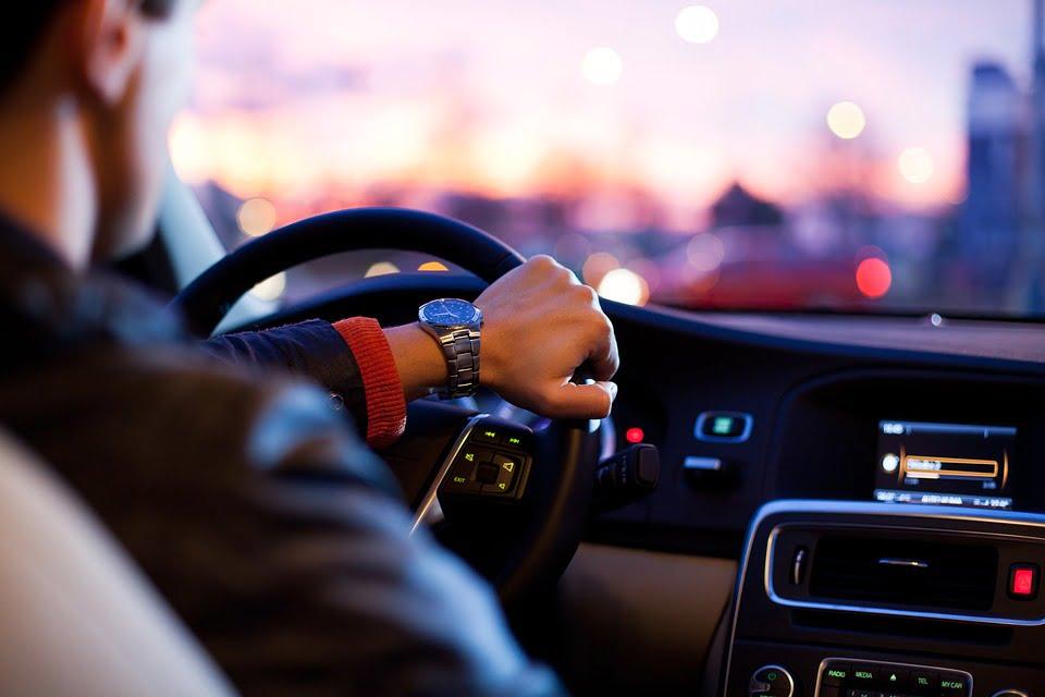 Opłata za abonament radiowy w samochodzie służbowym