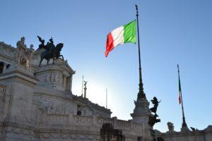 Włochy – podatki od cienia, parasola, wycieraczki i flagi