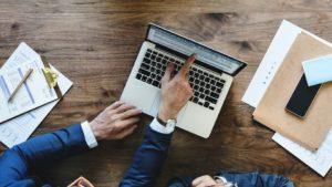 Usługi zwolnione z VAT – wystawianie faktur i korekty