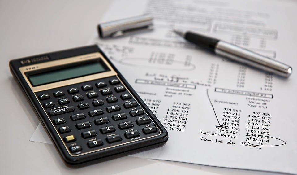 Wycofanie środka trwałego z firmy – rozliczenie PIT i VAT