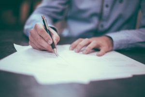 Wypełnianie świadectwa pracy – zasady