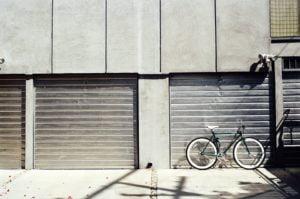 Garaże i miejsca postojowe w limicie 75% – wyjaśnienie MF