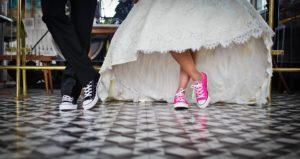 Prezenty ślubne i komunijne a podatek od darowizny – wyjaśnienia MF