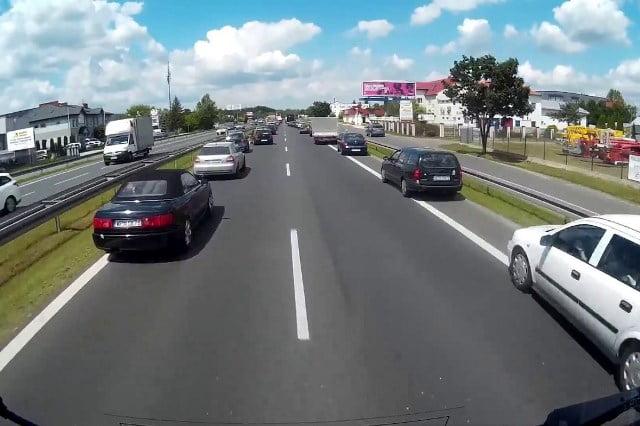 Korytarz życia i jazdę na suwak uchwalił Sejmu VIII kadencji