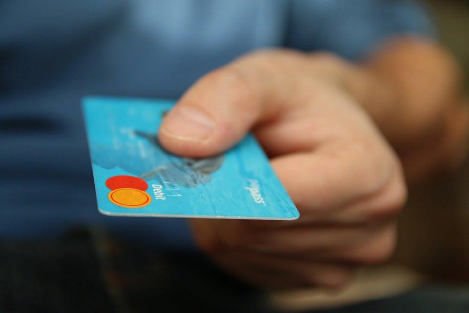 Płatności internetowe i kartą poza białą listą