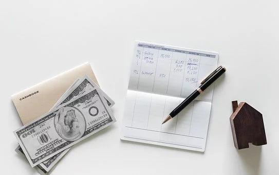 Stosowanie kwoty zmniejszającej podatek, gdy dochód pracownika przekroczył pierwszy próg podatkowy